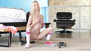 Mart sweetie Piper Perri gets to play with a long delicious dick
