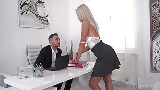 Pulchritudinous blonde Angelika Grays gets double penetrated hard by two studs