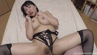 Looking pulchritudinous campagna lingerie, Hanyuu Arisa gets her cunt stuffed