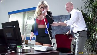 Boss lady Julie Cash fucked in the slot away from her male assistant