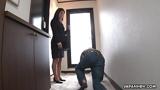Strict Japanese MILF kingpin facesits her submissive employee