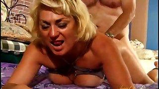Fat guy fucks hot mature Dana Hayes on the bed