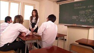 [LT18] PGD-405 - Incontinence Catholic Peeing Teacher Yuna Shiina