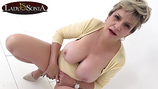 Busty mature Foetus Sonia has such a filthy mind