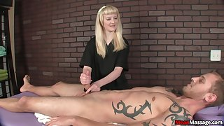 Blonde whore shows this dude proper handjob