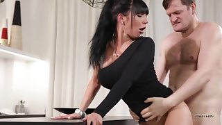 Valentina Ricci a brunette fuck with air