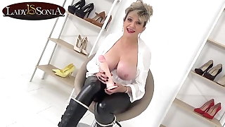 Lady Sonia can't stop laughing convenient your tiny cock