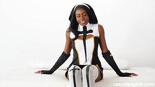 Latex nun & hot cop team up 4 cock!